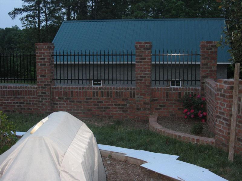 hardscape-columns-rod-iron-fence